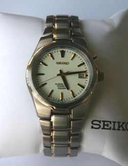 SEIKO Titanium Kinetic 100m Watch SKA216 in gift box