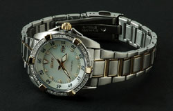 Seiko Velatura SXDA20 SXDA20P1 Two Tone Diamond Bezel Mother of Pearl Dial real Diamonds Ladies watch